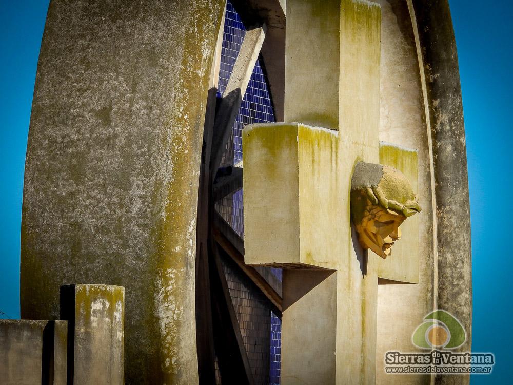Saldungaray Portal del Cementerio