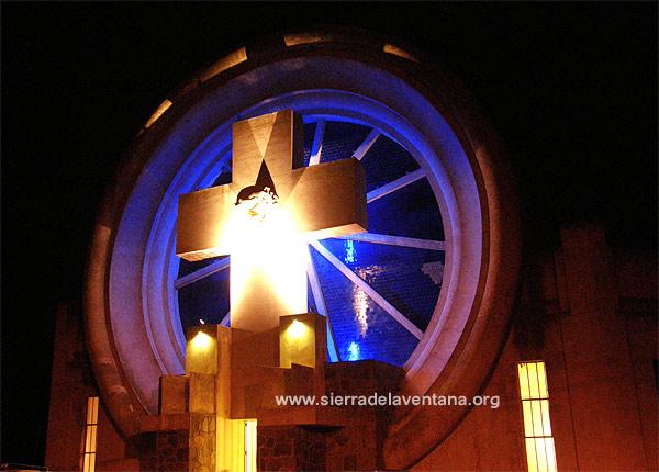 Portal del Cementerio por Francisco Salamone