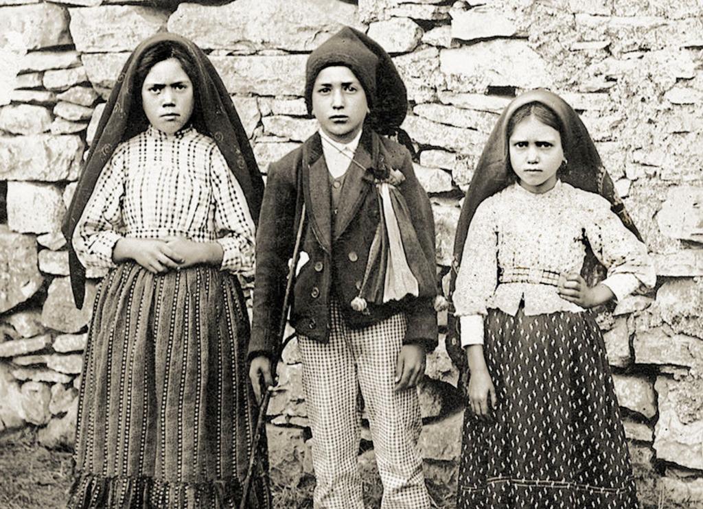 Lucia,  Jacinta y Francisco Marto