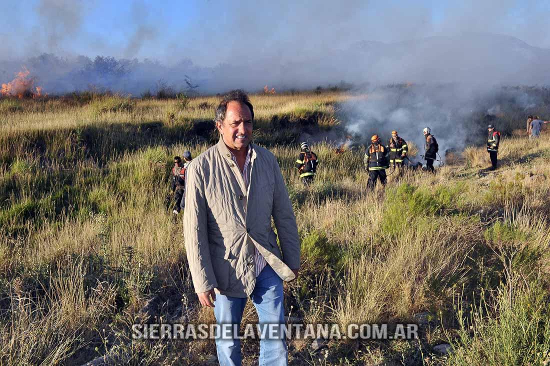 Scioli recorre el incendio en Sierra de la Ventana