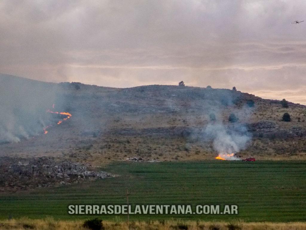 Incendio sobre las Sierras de la Ventana